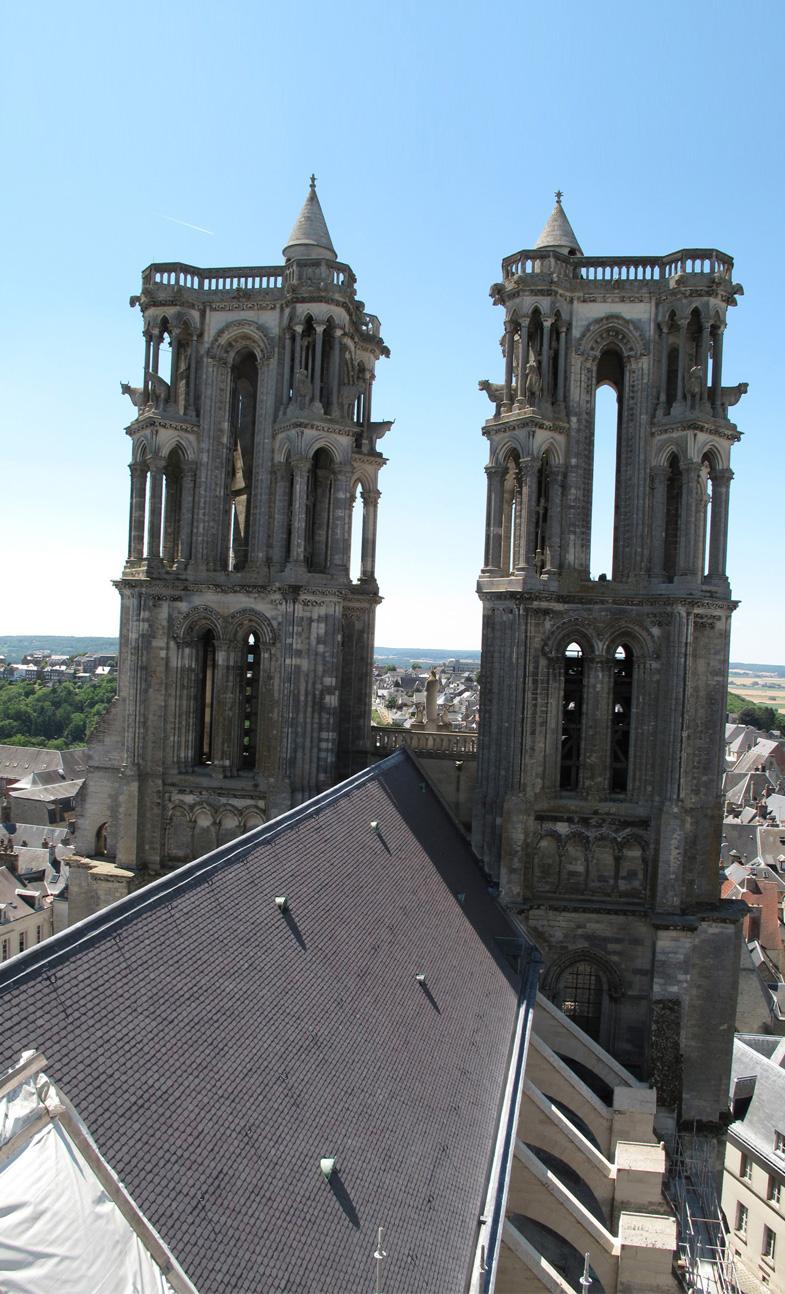 Agence Caillault ACMH – Cathédrale Notre-Dame de Laon – Couverture de la nef après restauration