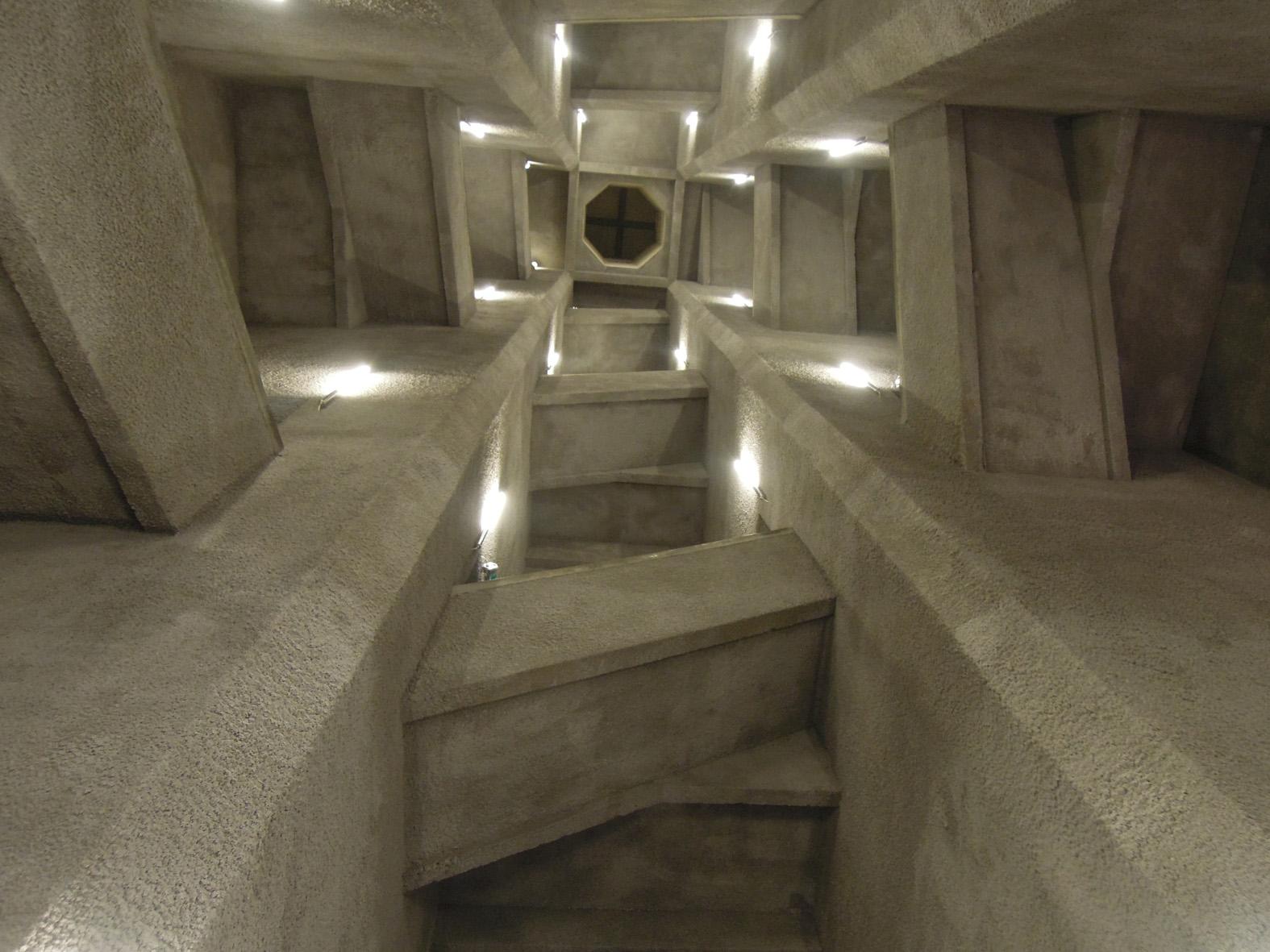 Agence Caillault ACMH – Ossuaire de Douaumont – Intérieur de la tour