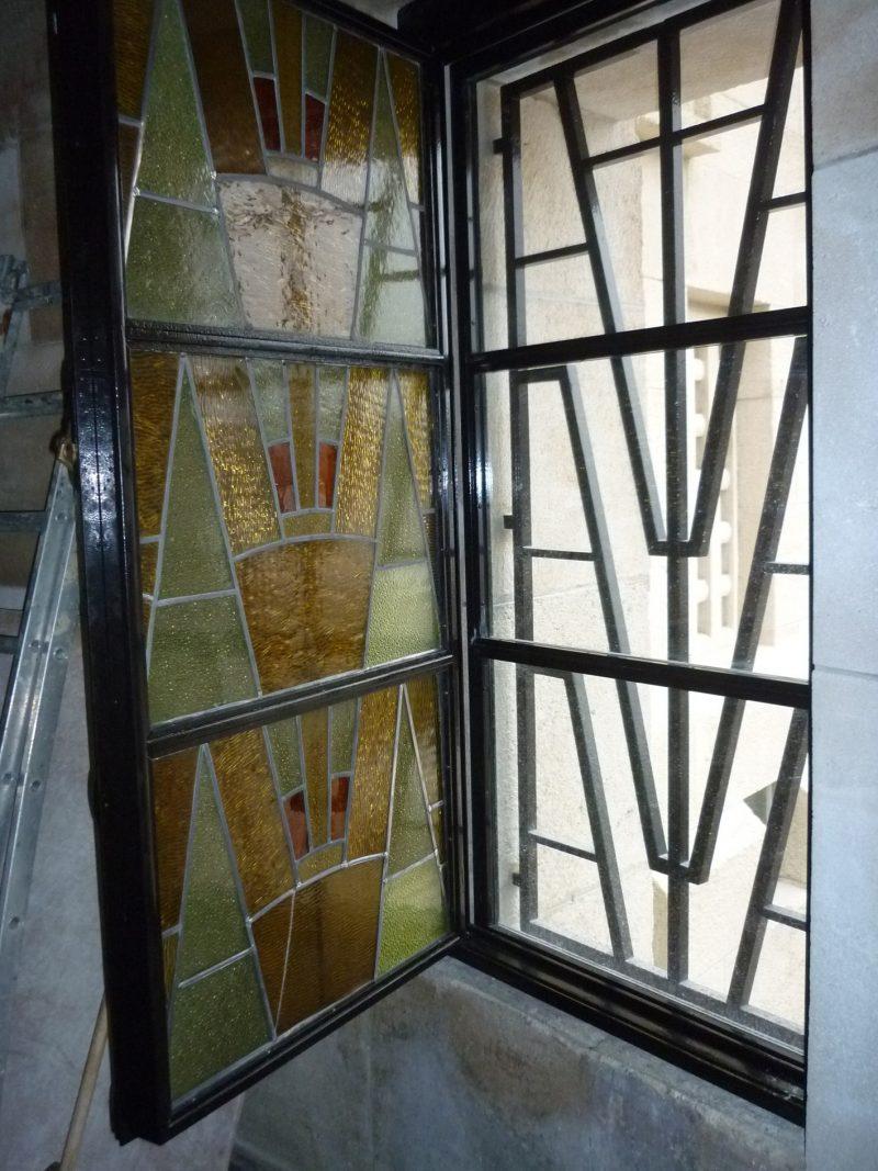 Agence Caillault ACMH – Ossuaire de Douaumont – Vitrail avec verrière de protection