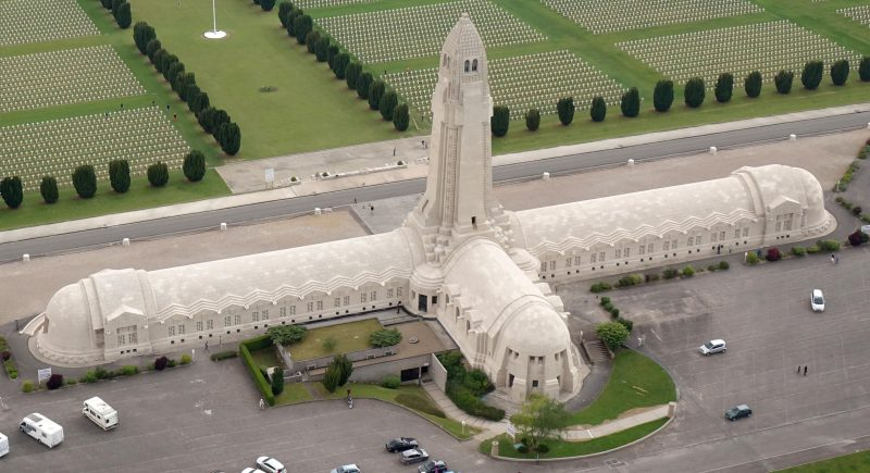 Agence Caillault ACMH – Ossuaire de Douaumont – Vue aérienne après restauration