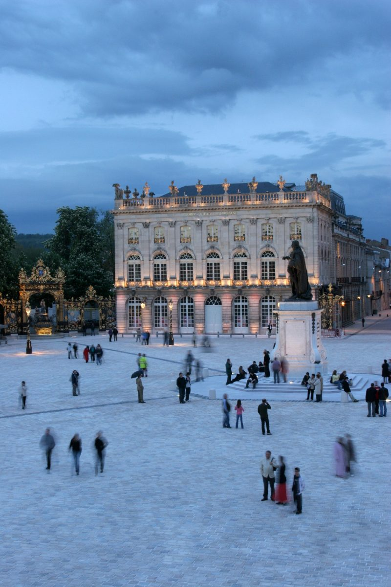 Agence Caillault ACMH – Place Stanislas – Nancy – À la tombée de la nuit