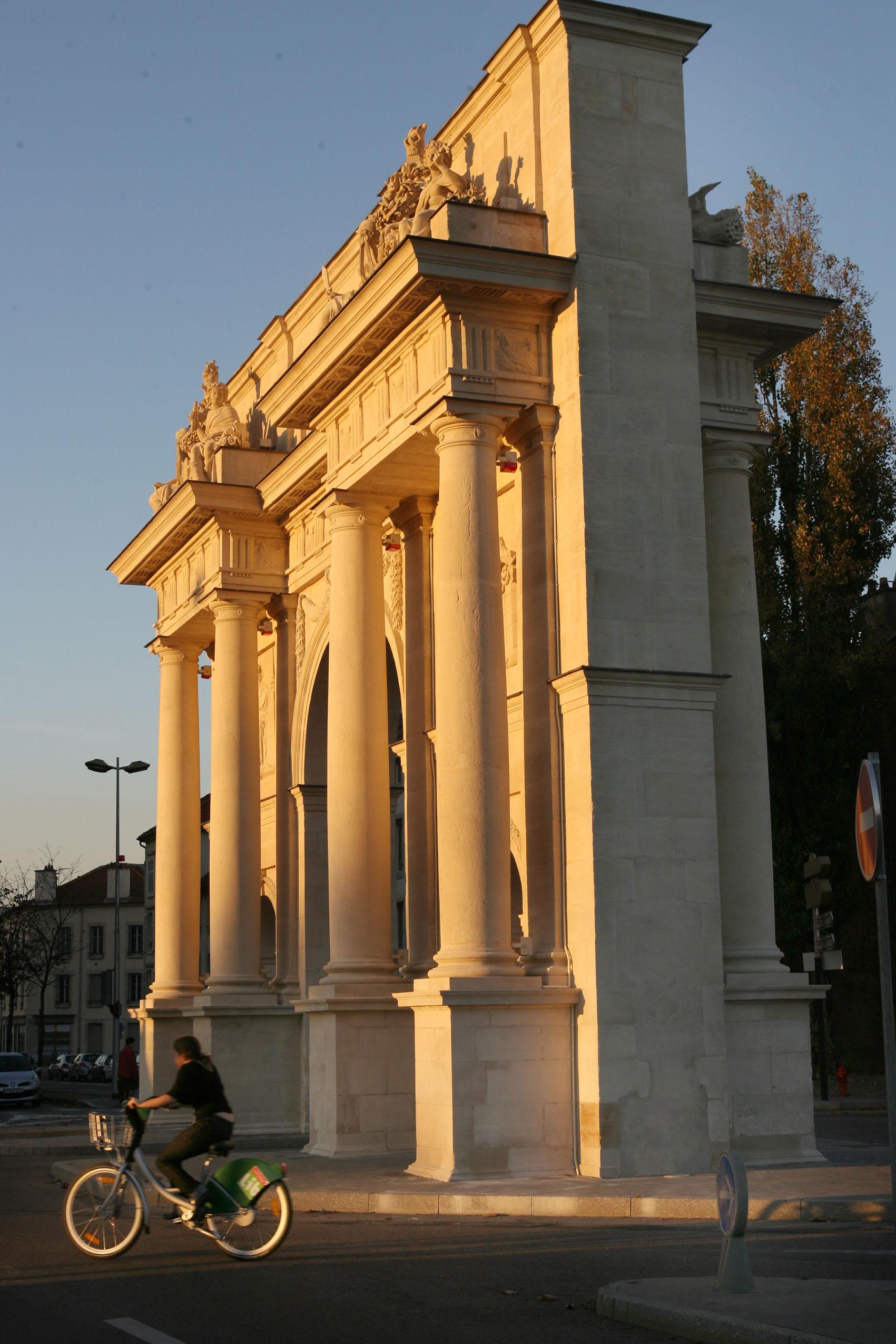 Agence Caillault ACMH – Porte Saint Catherine – Nancy – Porte restaurée