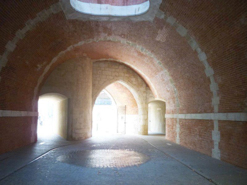 Agence Caillault ACMH – Porte de la Craffe – Nancy – Passage du Châtelet après restauration