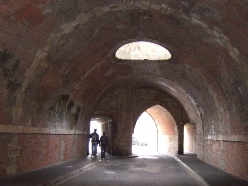Agence Caillault ACMH – Porte de la Craffe – Nancy – Passage du Châtelet avant restauration