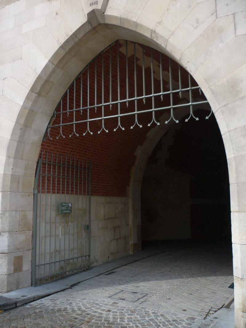 Agence Caillault ACMH – Porte de la Craffe – Nancy – Porte du châtelet restaurée