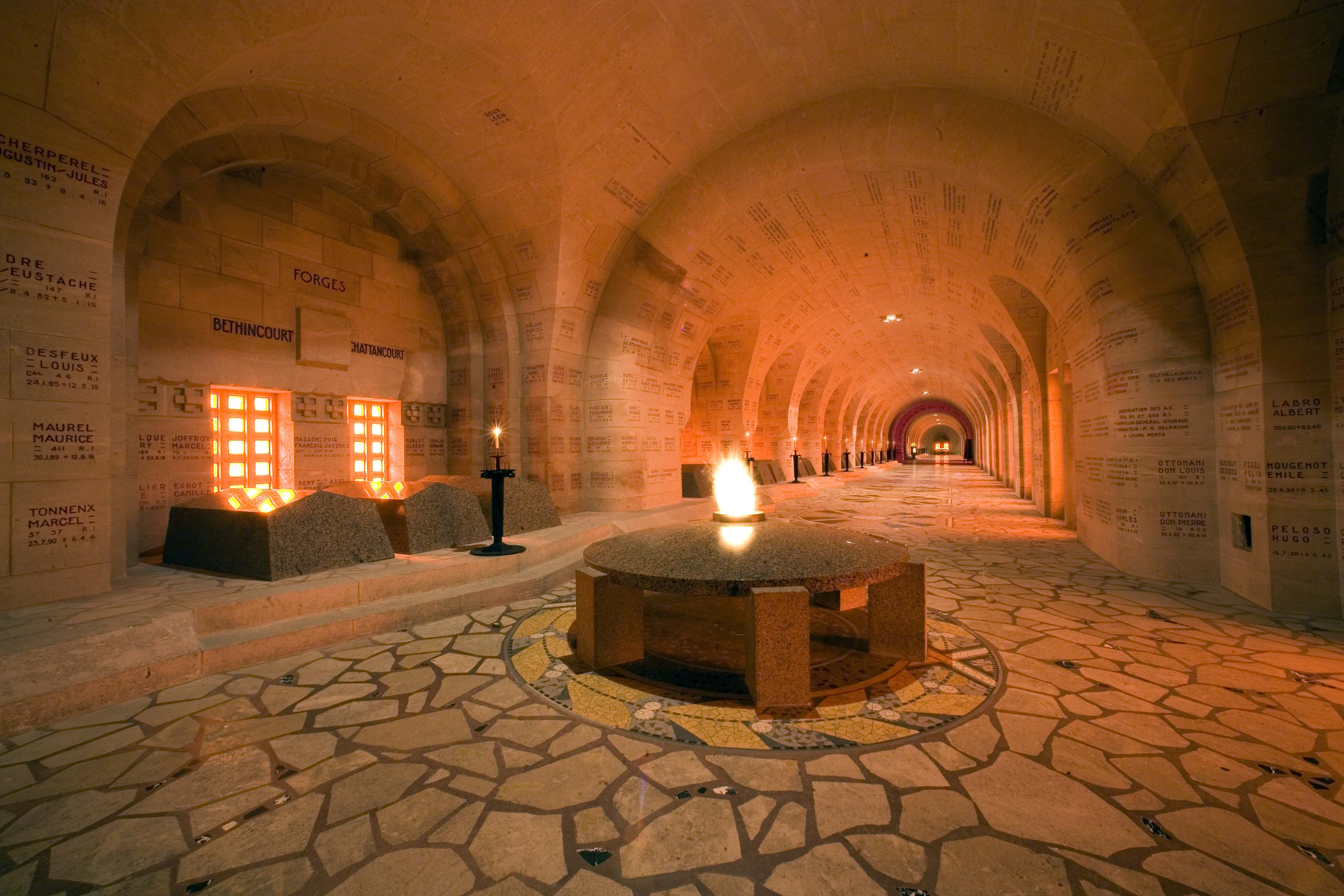 Agence Caillault ACMH – Ossuaire de Douaumont – Cloître