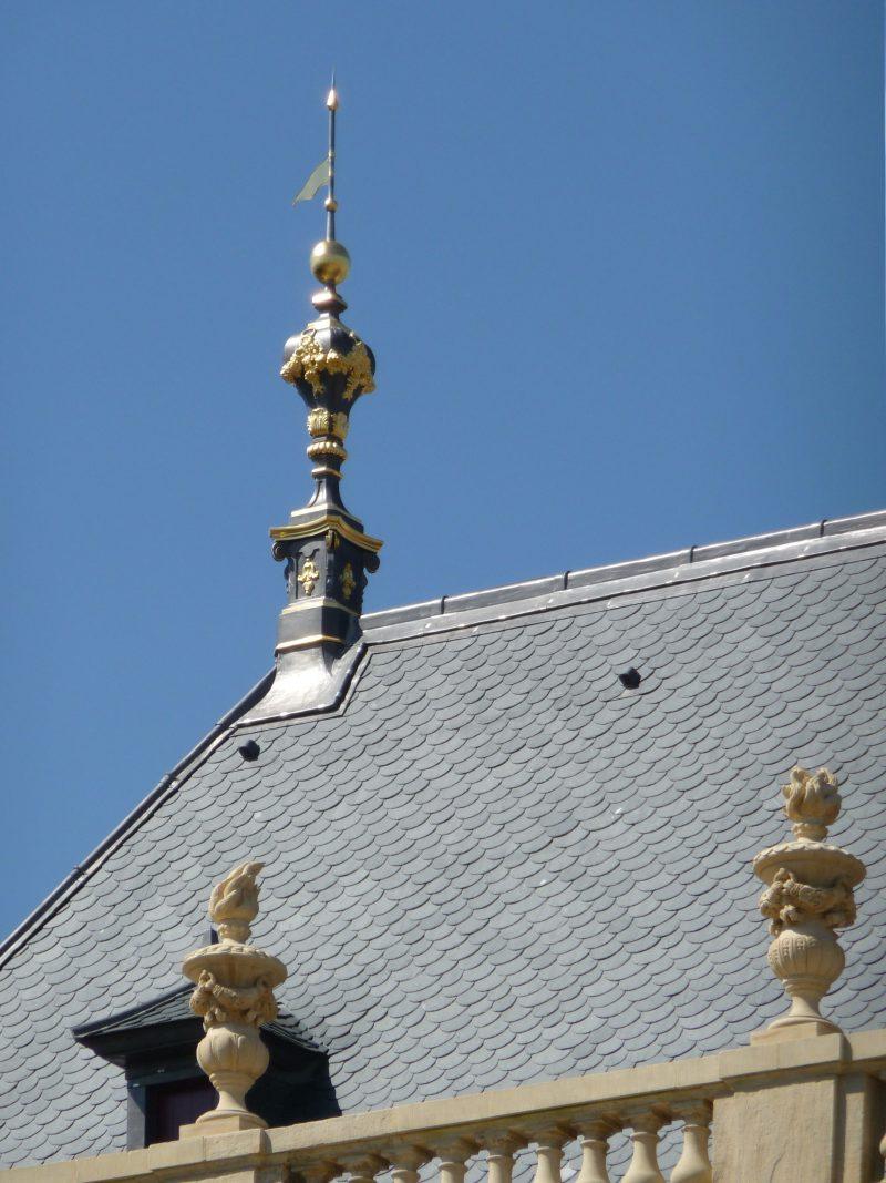 Agence Caillault ACMH – Palais ducal – Luneville – Balustrade et épi de faitage restaurés