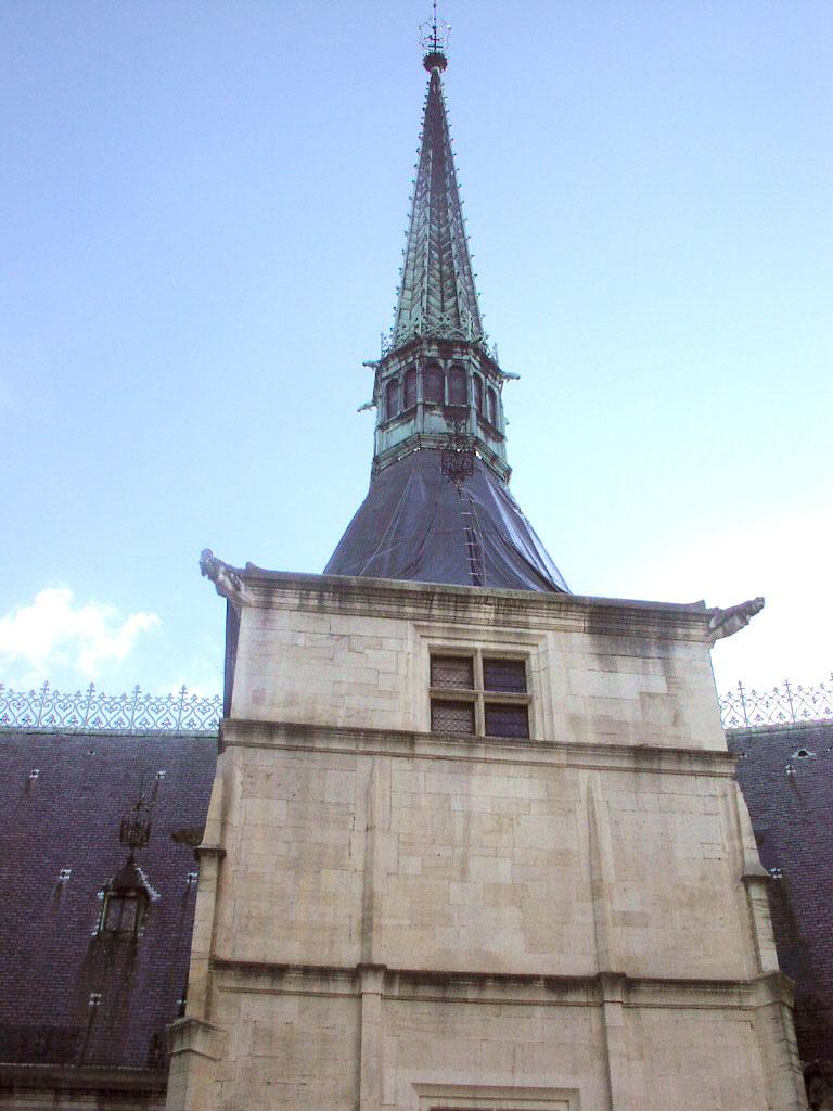 Agence Caillault ACMH -Palais ducal – Nancy – Tour de l'horloge avant restauration