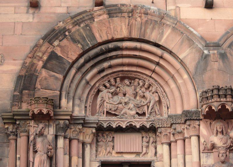 Agence Caillault ACMH – Transept sud de la Cathédrale – Strasbourg – Tympan ouest de la façade sud avant restauration