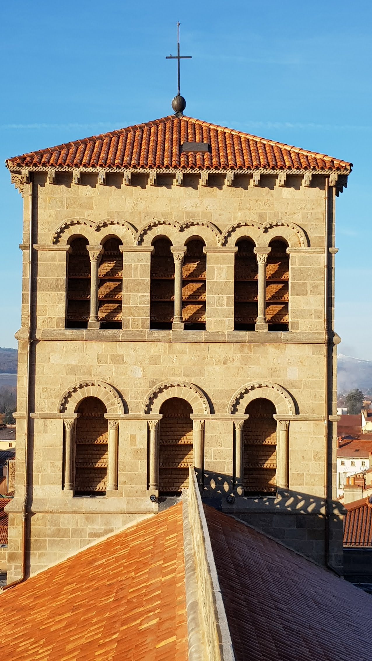 Agence Caillault ACMH – ISSOIRE – Abbatiale Saint-Austremoine – Tour de la croisée du transept
